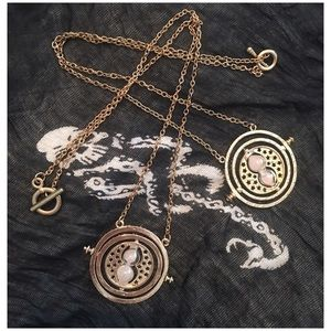 Jewelry - Harry Potter time turner necklace ✨